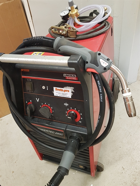 LINCOLN ELECTRIC POWERTEC 250C 400V [paket]